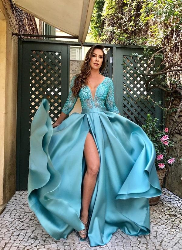 Vestido de festa longo azul tiffany estilo princesa com fenda
