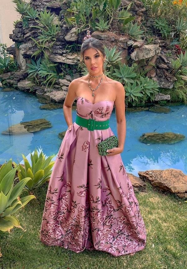 vestido de festa longo estampado rosa para madrinha de casamento.