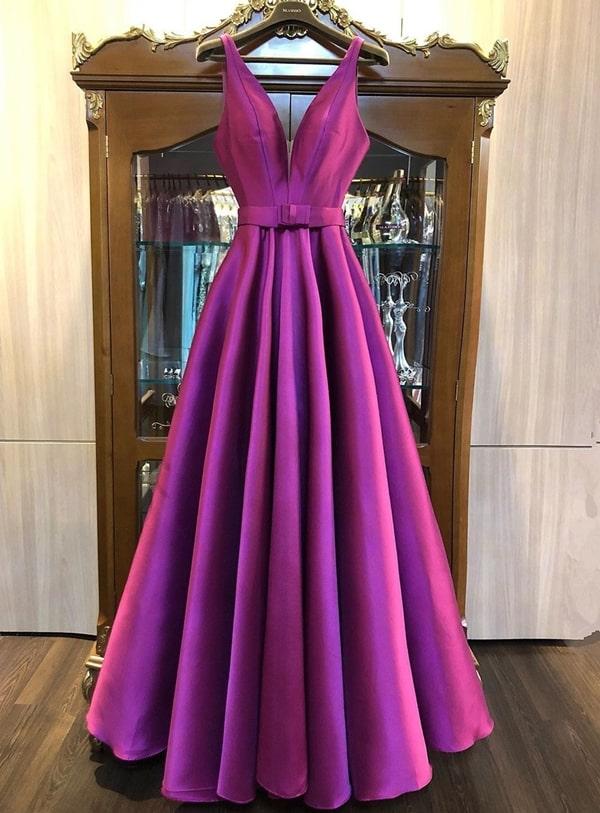 vestido longo fúcsia estilo princesa com cinto