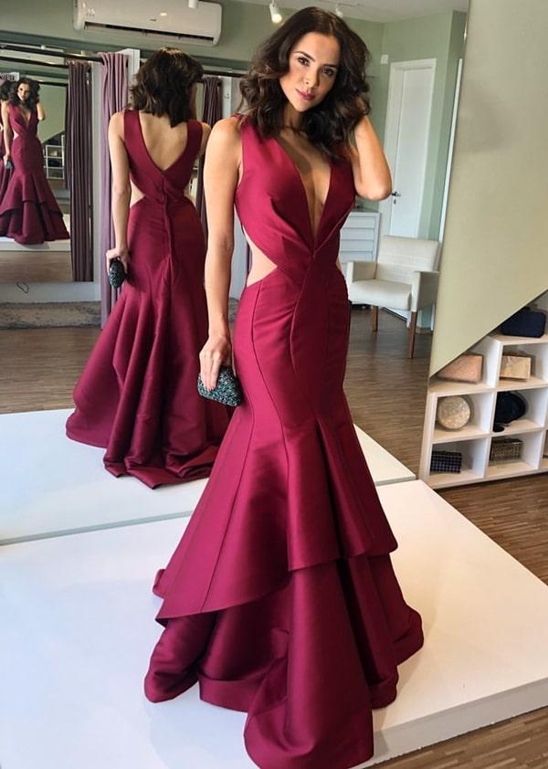 vestido de festa longo marsala modelo sereia com recortes na cintura
