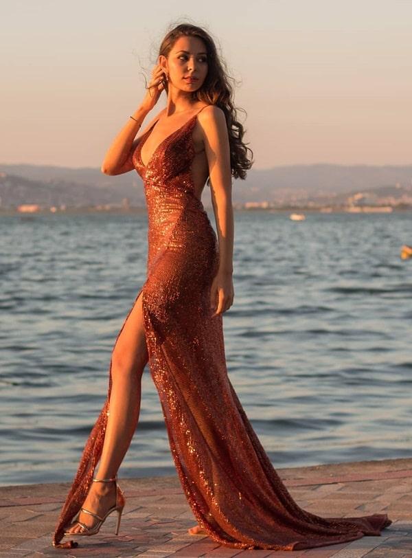 vestido-longo-tons-terrosos-com-brilho