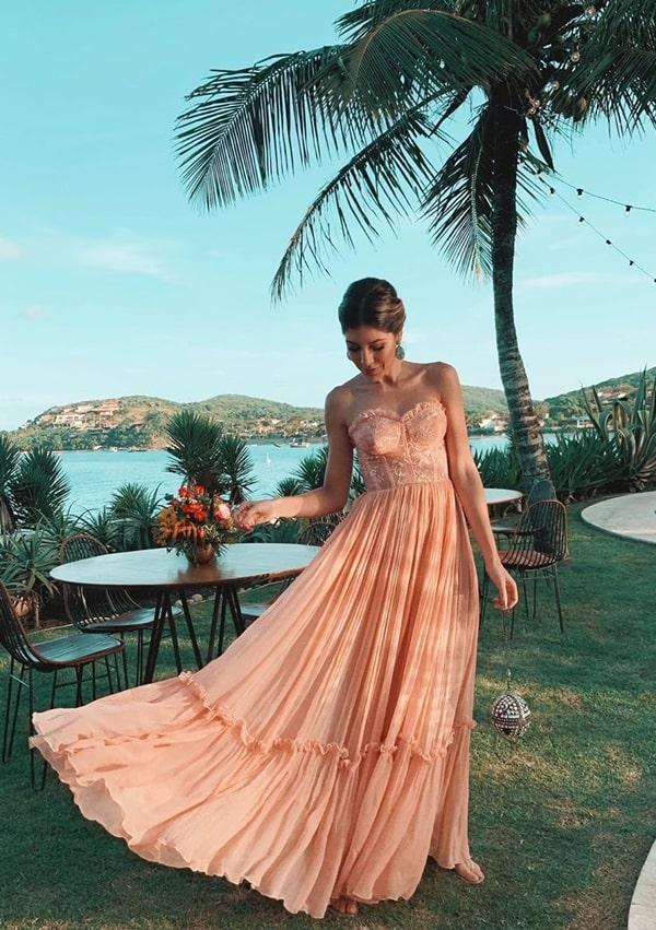 Isa Domingues vestido para madrinha de casamento na praia
