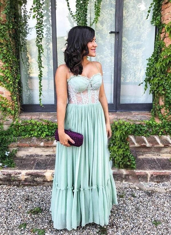 vestido longo verde menta com corpete rendado