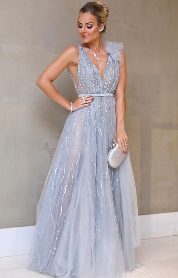 Layla Monteiro vestido de festa prata azulado casamento Thássia Naves