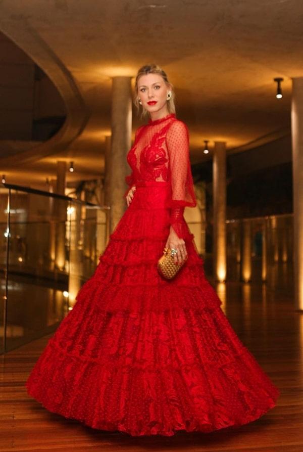 Nati Vozza vestido de festa longo vermelho casameto Thassia Naves
