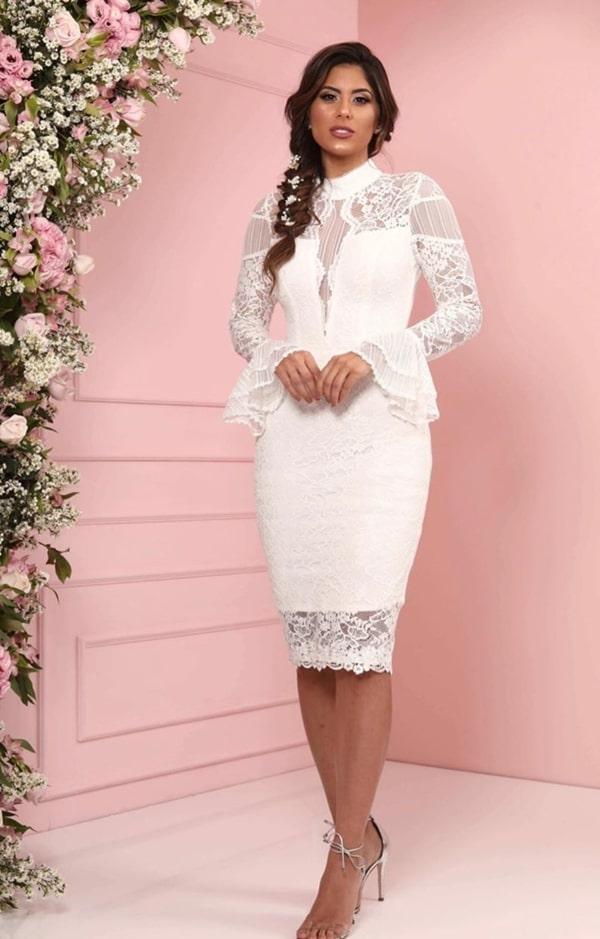 vestido branco midi tubinho com manga longa para casamento civil