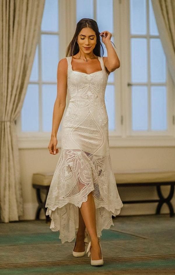 Romana Novais lindíssima de vestido midi branco rendado by Martha Medeiros.