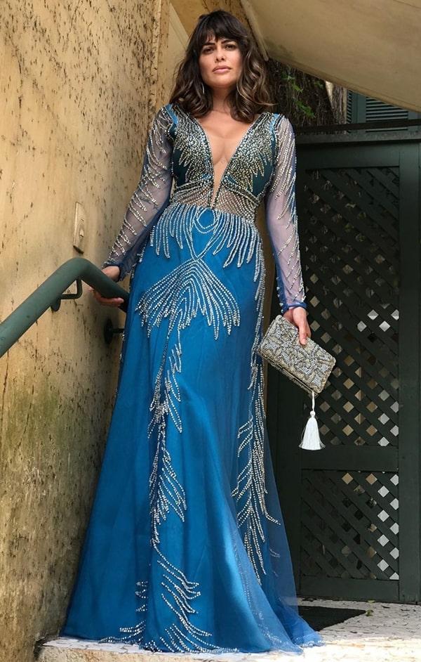 vestido de festa longo azul com manga longa para formatura 2020