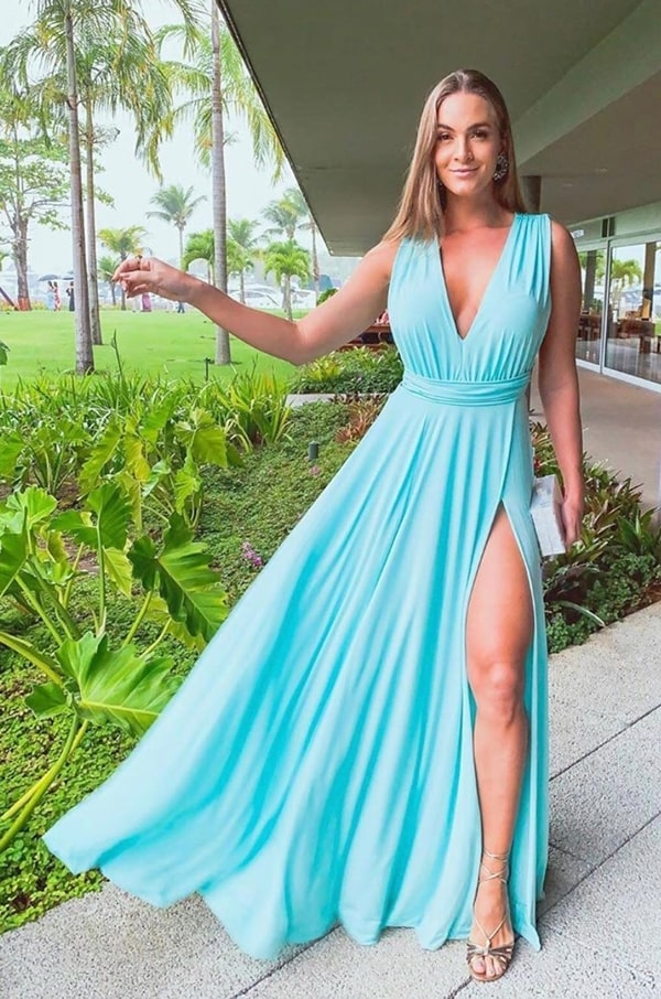 vestido de festa longo azul claro tiffany para casamento na praia