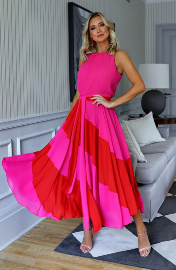 vestido midi para convidada de casamento durante o dia