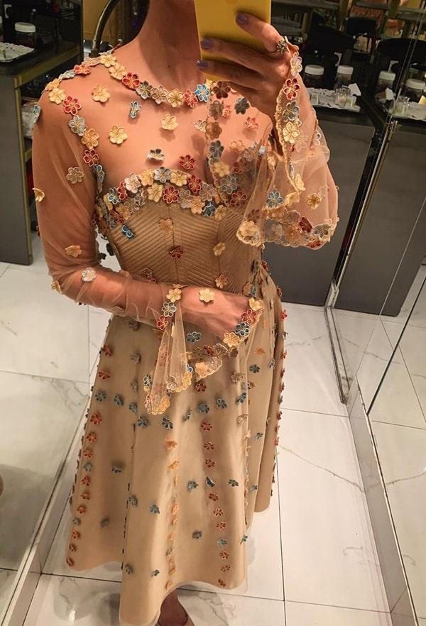 vestido de festa midi bordado floral