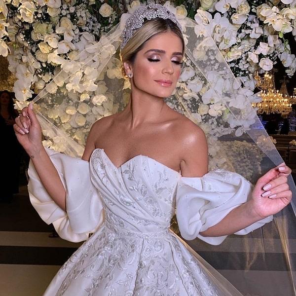 o vestido de noiva usado por Thássia Naves na segunda cerimônia de seu casamento
