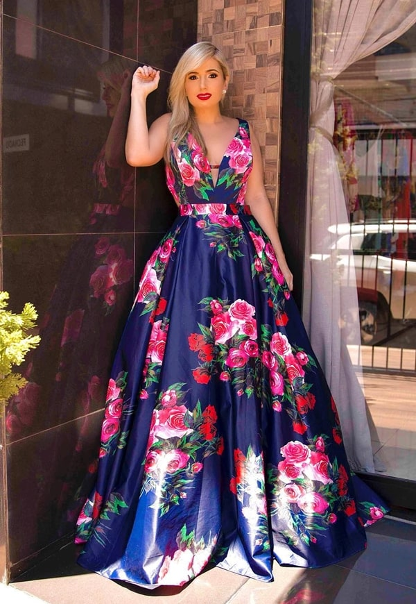 vestido de festa estilo princesa com estampa floral