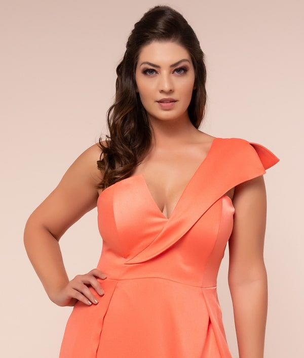 vestido de festa longo coral plus size para madrinha de casamento
