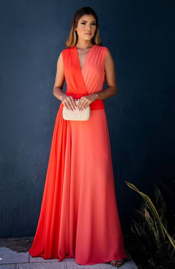 vestido de festa longo laranja e coral
