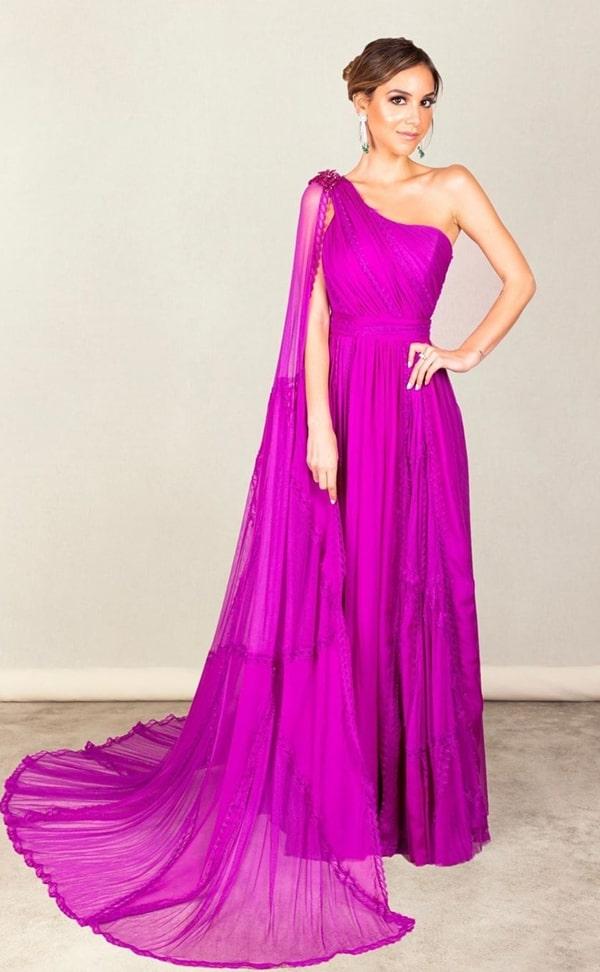 Luisa Accorsi vestido de festa longo fúcsia com capa