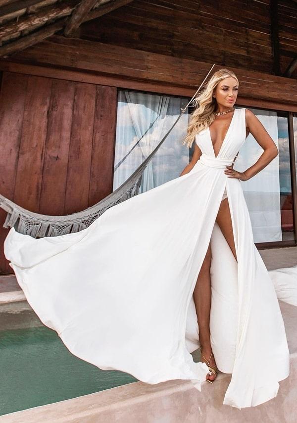 vestido longo branco com fenda