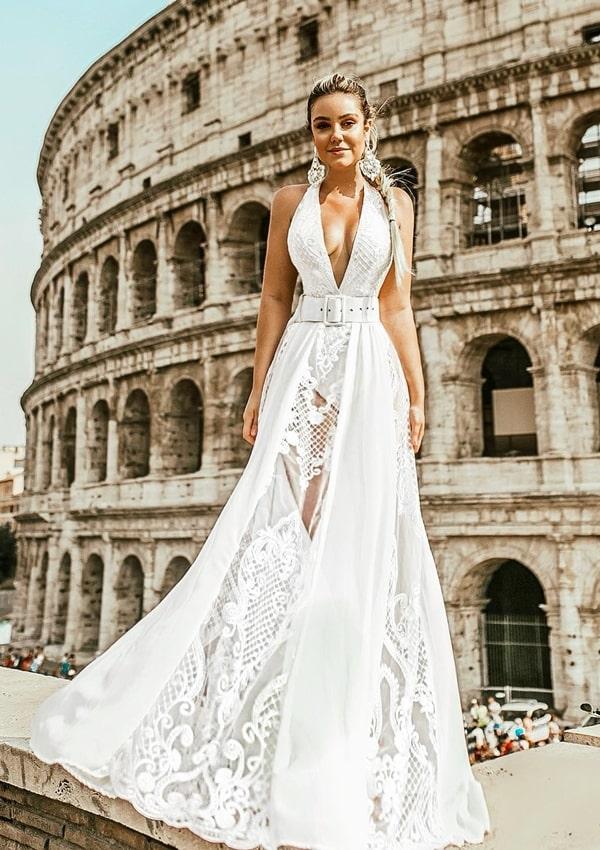 vestido longo  branco rendado com hot pants e decote profundo frente única para reveillon