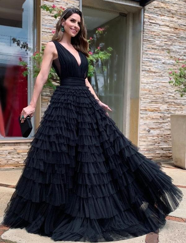 vestido de festa preto estilo princesa