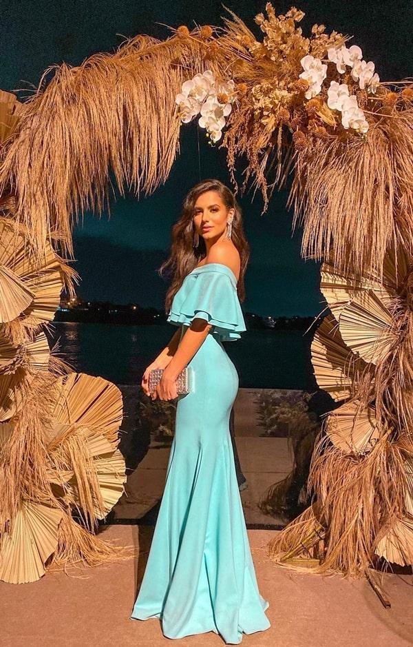 vestido de festa longo ombro a ombro para casamento na praia