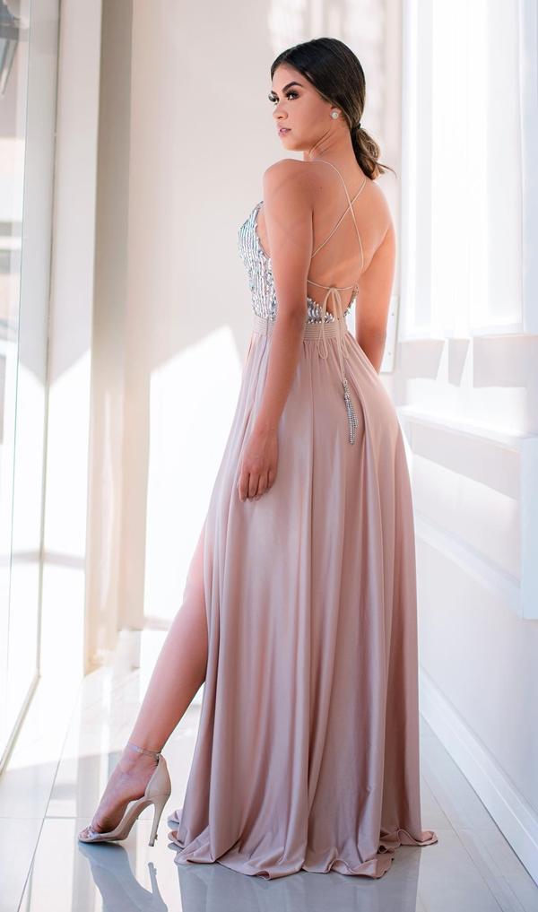 vestido de festa longo com decote nas costas