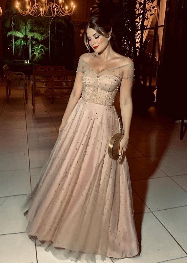 vestido de festa longo nude para madrinha de casamento