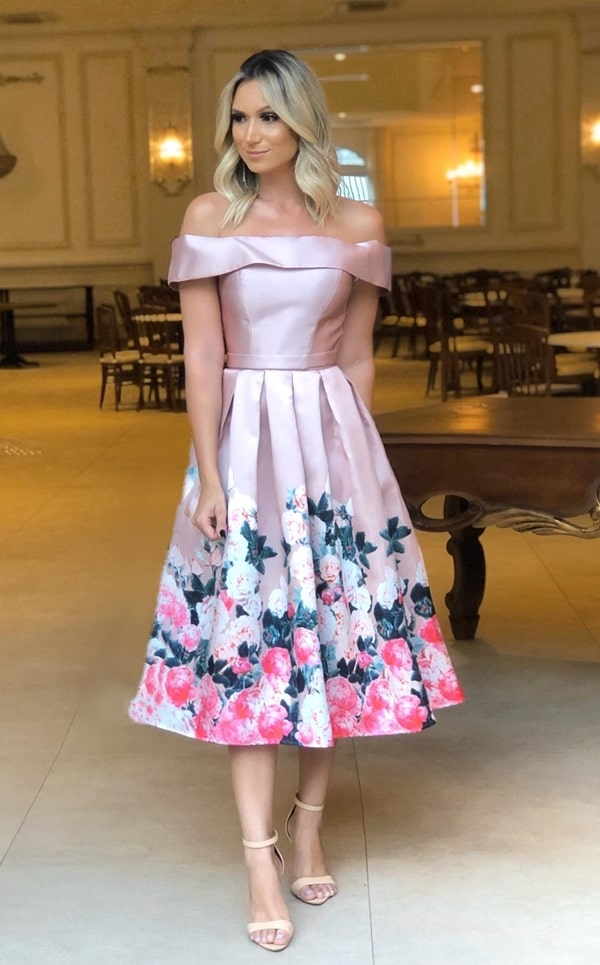 vestido de festa midi rose com estampa floral