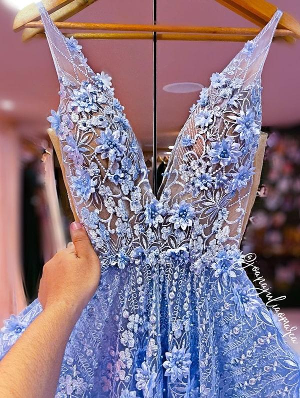 vestido de festa azul serenity com bordado 3D