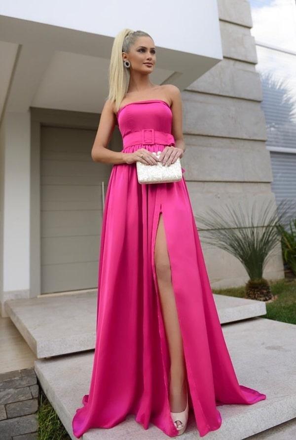 Vestido longo pink com fenda, manga removível e cinto do tecido do vestido
