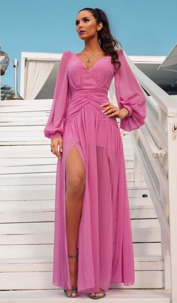 vestido longo rosa com mangas longas