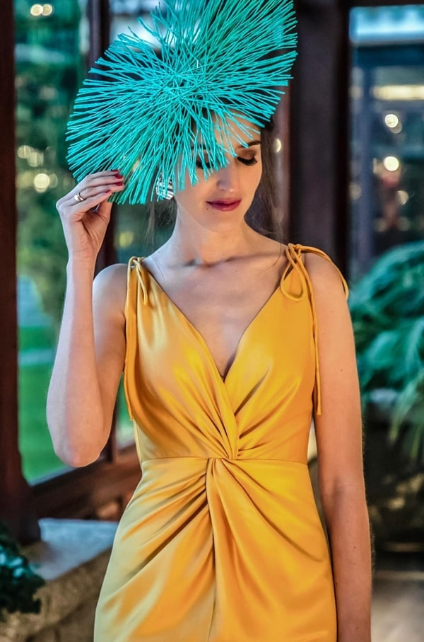chapéu diferente para convidada de casamento
