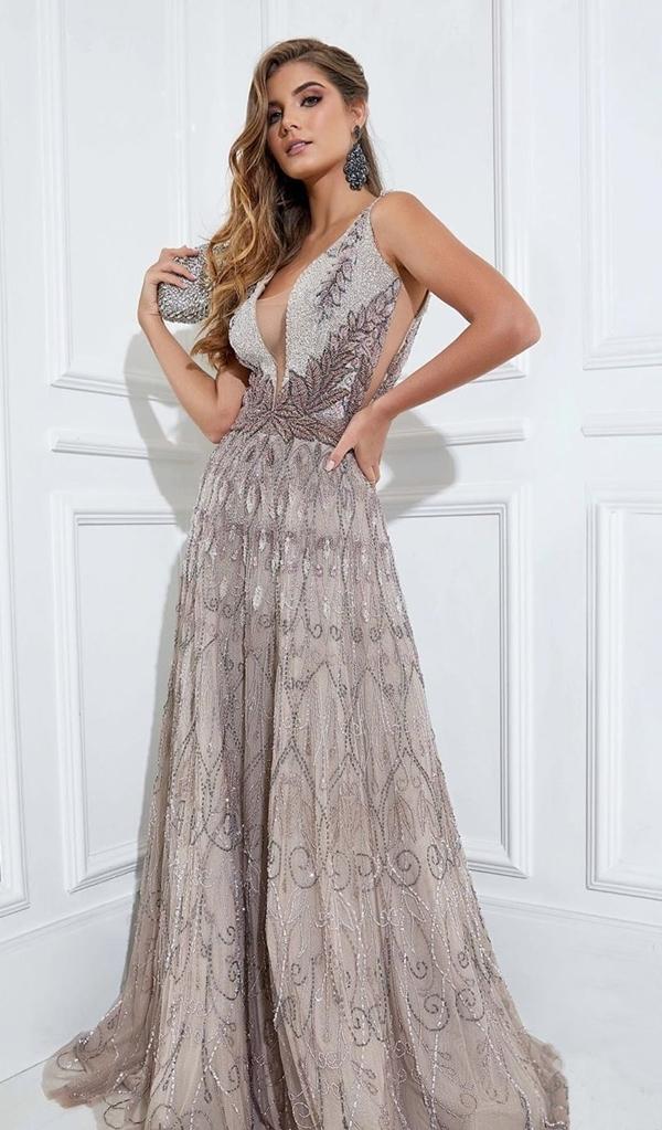 vestido de festa nude com prata  para madrinha de casamento a noite