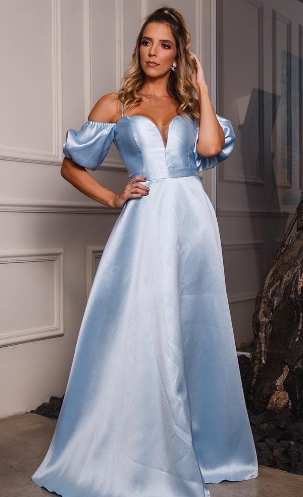 Vestido azul serenity com mangas bufantespara madrinha de casamento