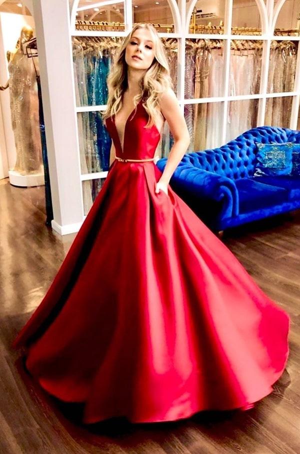 Vestido vermelho estilo princesa