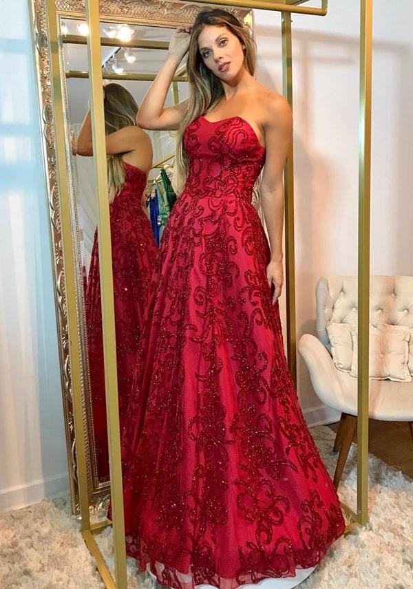 vestido de festa marsala tomara que caia estilo princesa