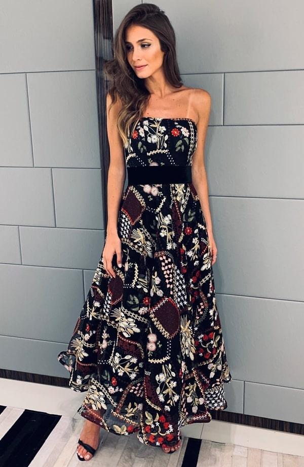 vestido de festa midi preto com bordado colorido