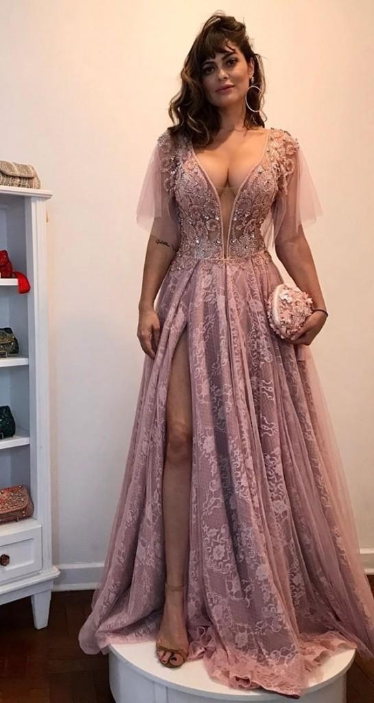 vestido de festa rosa com manguinha curta