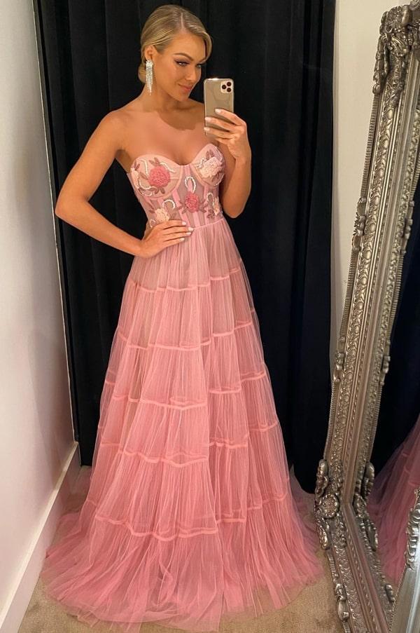 vestido de festa longo rosa com corpete com bordado floral e saia de tule