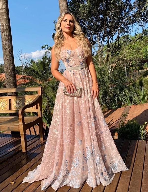 vestido rose para madrinha de casamento no campo