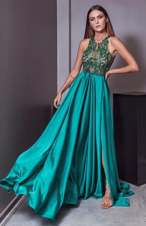 vestido de festa verde fluido  para madrinha de casamento a noite