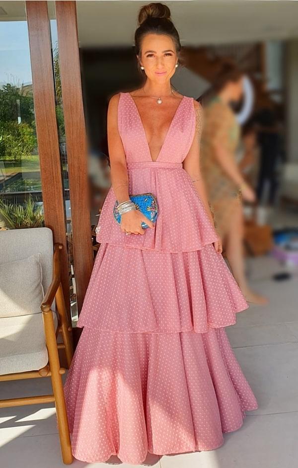 vestido de festa rosa com saia de babados tendência de vestidos de festa  em 2020