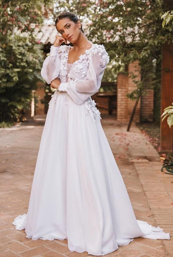 vestido de noiva simples com manga longa e bordado 3D