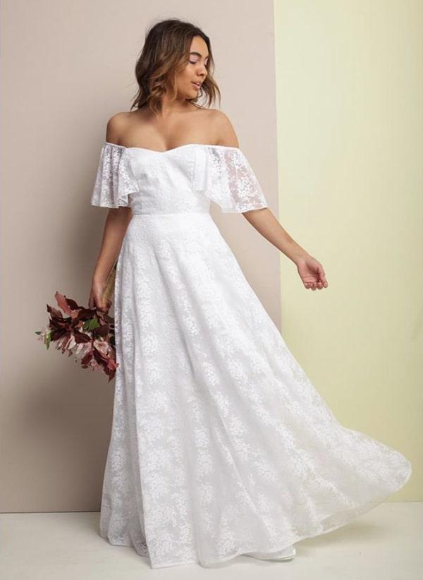 vestido de noiva simples de renda para casamento durante o dia