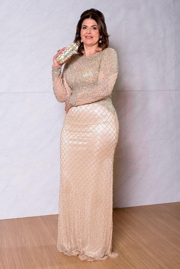 vestido dourado para mãe da noiva