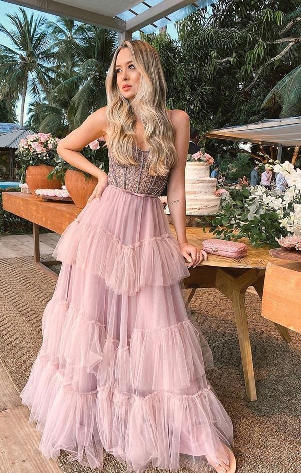vestido de festa longo rosa com saia de babados para madrinha de casamento