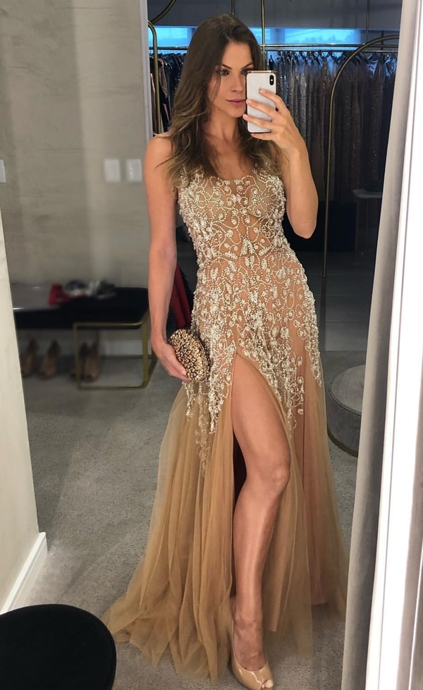 vestido de festa nude com bordado