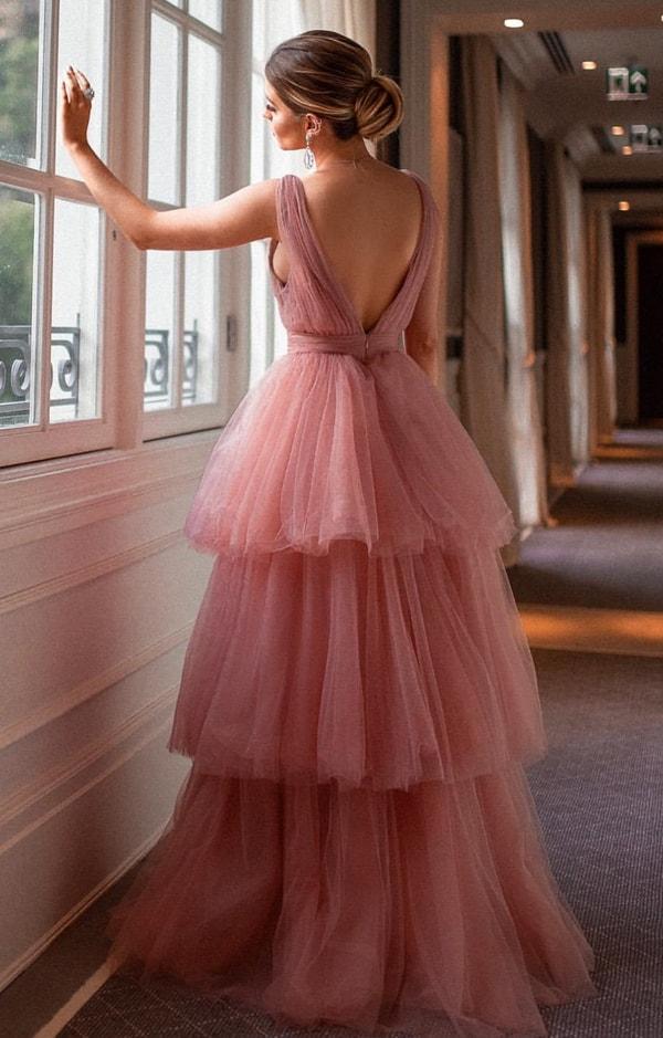vestido de festa rosa com saia de babados