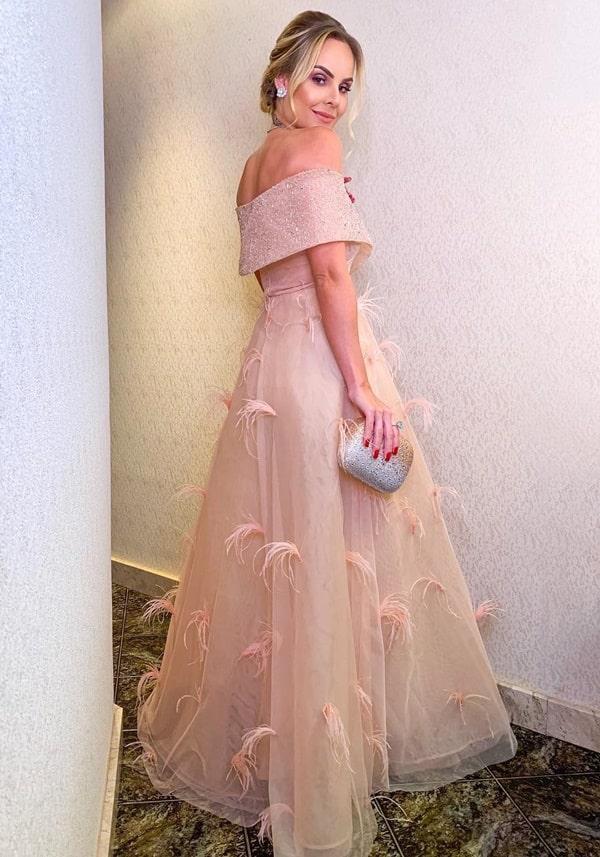 vestido dourado para madrinha de casamento a noite