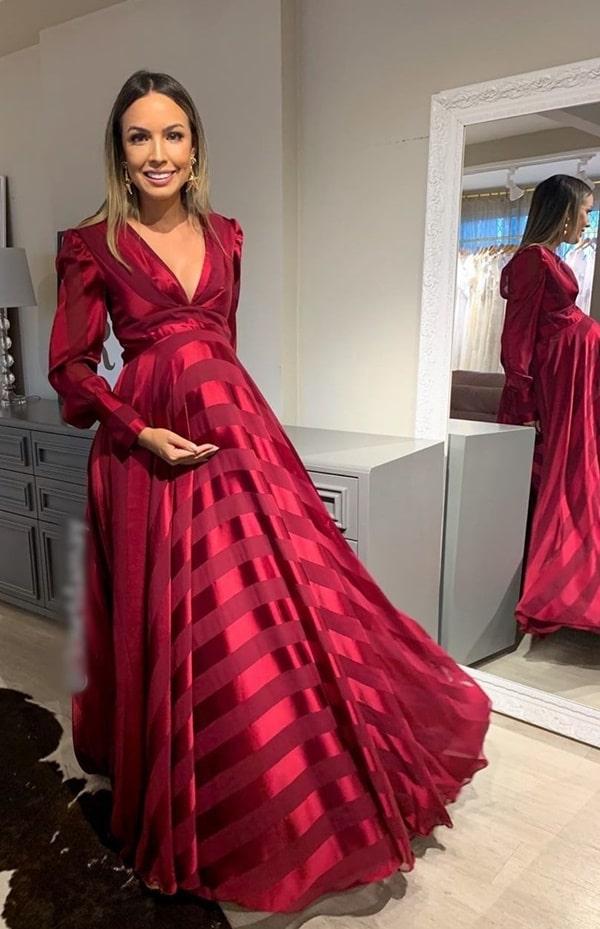 vestido longo marsala para madrinha de casamento gestante