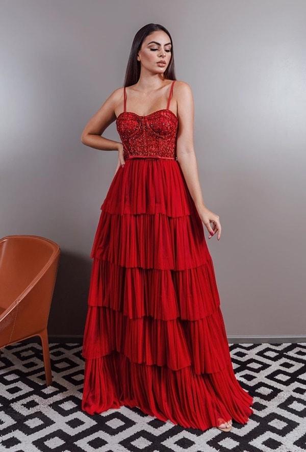 vestido de festa vermelho com corpete bordado